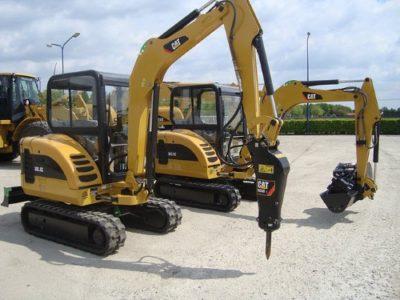 Мини-экскаватор Caterpillar 302.5 с навесным оборудованием